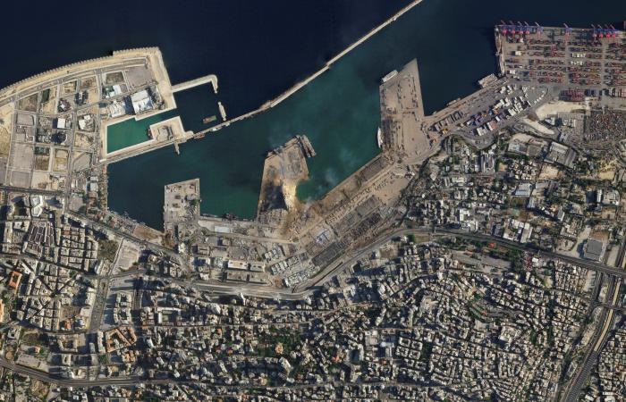 السعودية | مركز الملك سلمان يسيّر أول قافلة إغاثة إلى بيروت