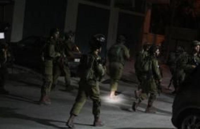 فلسطين | جنين: اقتحام حي الجابريات وإصابة مواطنة واندلاع مواجهات