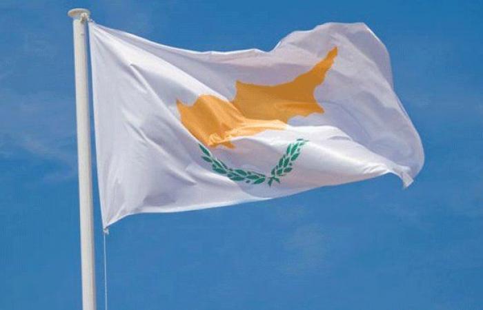 قبرص تستجوب مالك السفينة التي تسببت حمولتها بانفجار بيروت