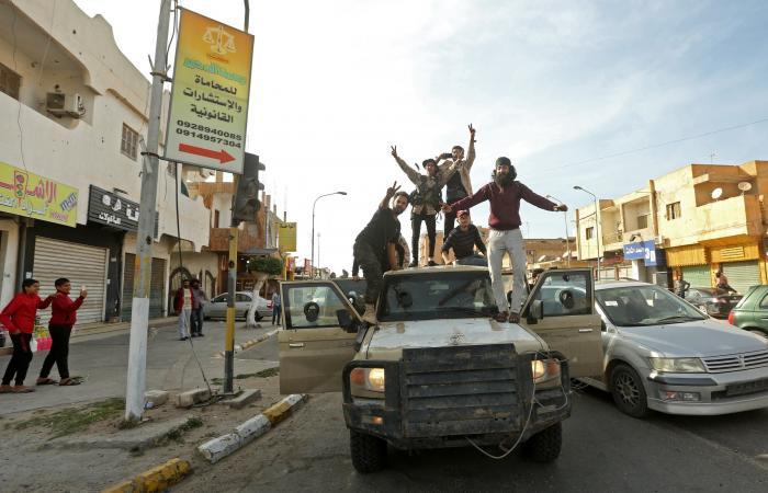 """سوريا   مقابل 300 دولار.. """"سماسرة"""" يجندون مرتزقة لتركيا بليبيا"""