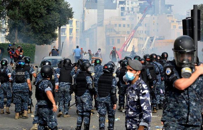 """انفجار المرفأ يشعل الغضب.. و""""يوم الحساب"""" يشهد مواجهات مع القوى الأمنية"""