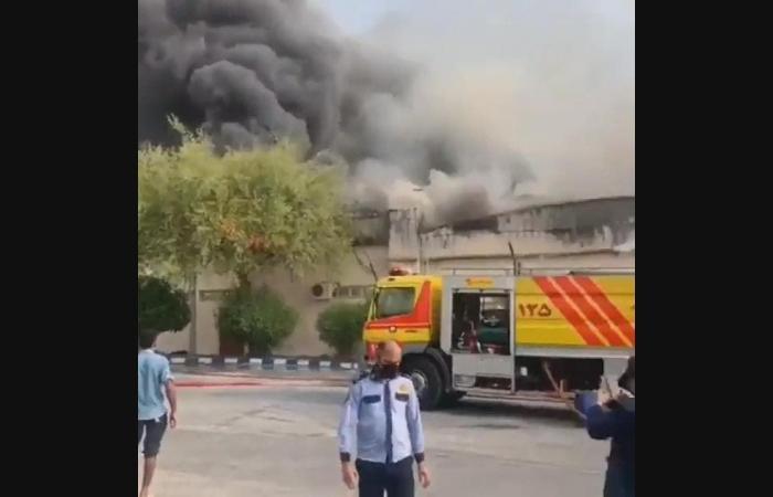 """إيران   نيران """"غامضة"""" تضرب إيران مجدداً.. حریق بمجمع تجاريوآخر بالغابات"""