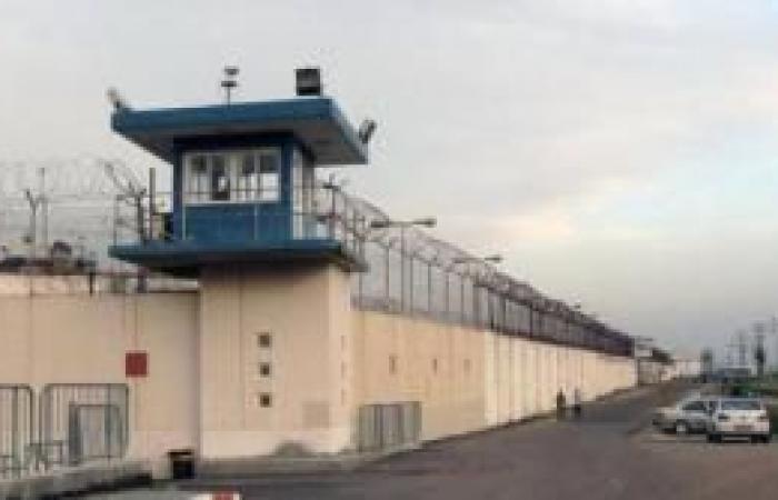 فلسطين   محكوم بالمؤبد و40 عاماً والدة الأسير أسامة إسعيد : سننتصر على السجن والسجان واللقاء بابني سيكون قريبا