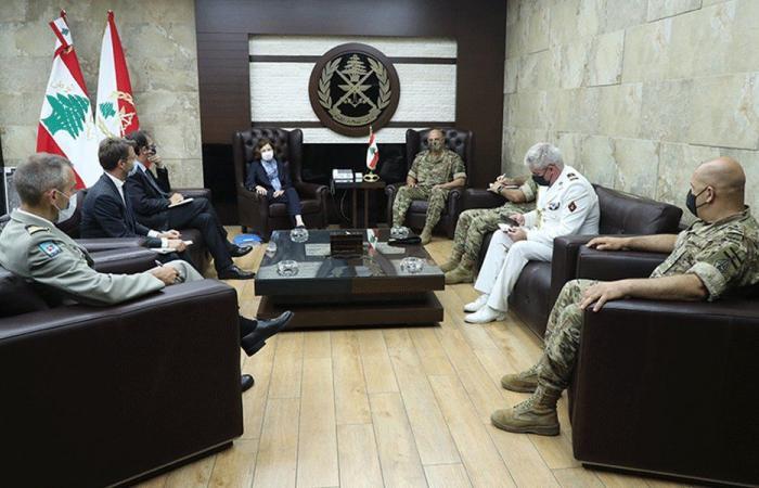 وفدان روسي وفرنسي في اليرزة.. وهذا ما تم بحثه مع قائد الجيش