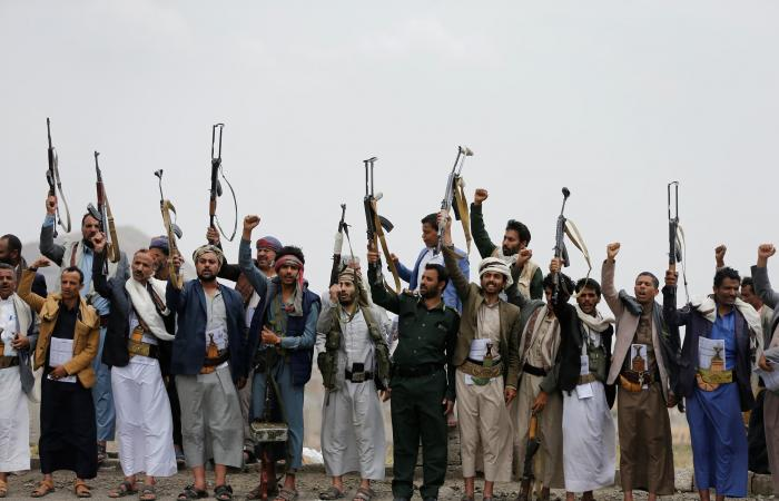 اليمن | رئيس أركان الجيش اليمني: نهاية انقلاب الحوثي وشيكة