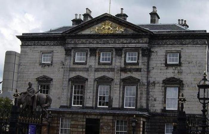اسكتلندا تلحق بإنجلترا وتدخل رسمياً في دائرة الركود