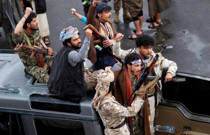 """اليمن   أجهزة تنصت ومراقبة.. """"الحوثي"""" تتجسس على الاتصالات مجدداً"""