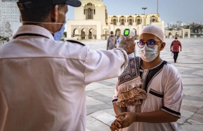 """عاهل المغرب لا يستبعد إعادة العزل.. """"الوضع الصحي مؤسف"""""""
