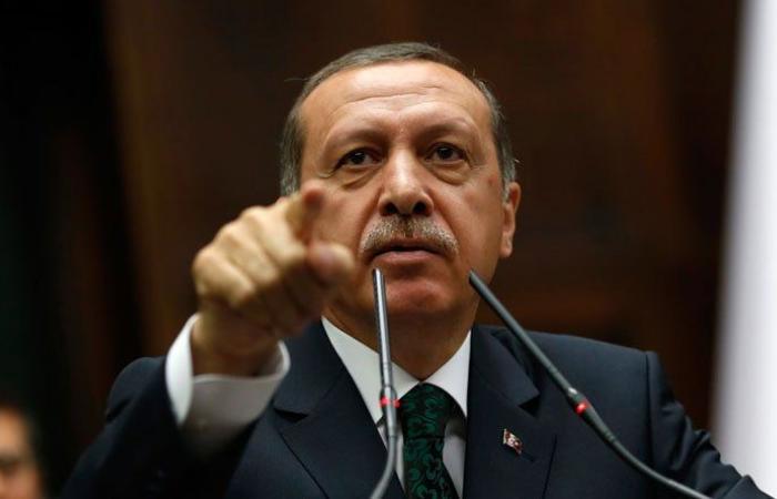 أردوغان وميركل يبحثان التطورات في شرق المتوسط