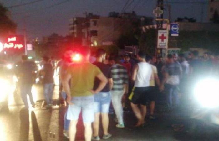 جريحتان صدمًا على طريق عام دوحة عرمون
