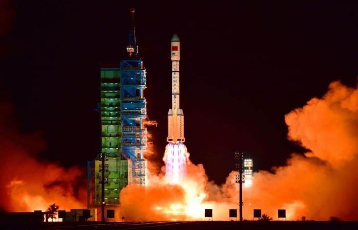 المركبة الفضائية السرية الصينية تهبط بأمان