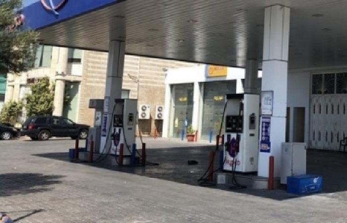إقفال عدد من محطات المحروقات في خلدة بسبب نفاذ البنزين