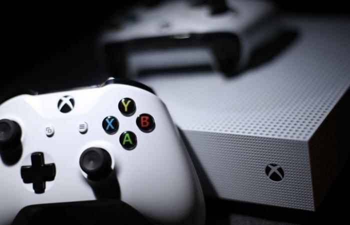 مايكروسوفت توضح مصير Xbox One X