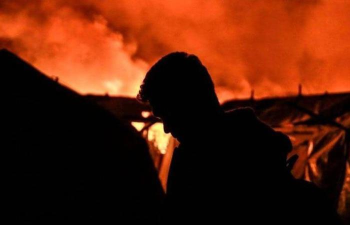 حريق جديد بمخيمات اللاجئين في اليونان