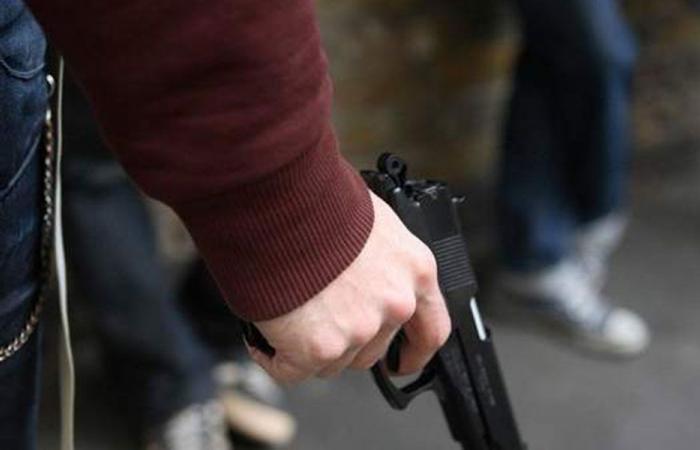 تحت تهديد السلاح.. سرقة محل للمجوهرات في كوسبا