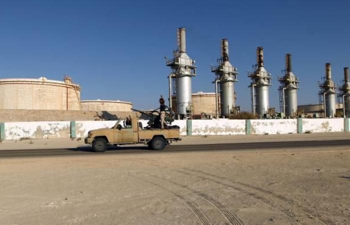 """المؤسسة الوطنية للنفط بليبيا: رفع القوة القاهرة عن الموانئ """"الآمنة"""""""