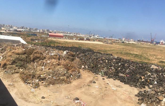 إطارات خلف معمل فرز النفايات في طرابلس.. وتحذير من حريق ضخم