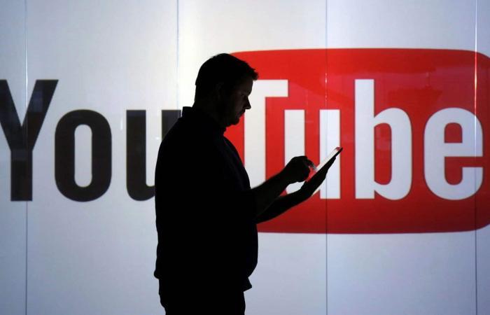 يوتيوب تستعين بالمشرفين البشريين من جديد