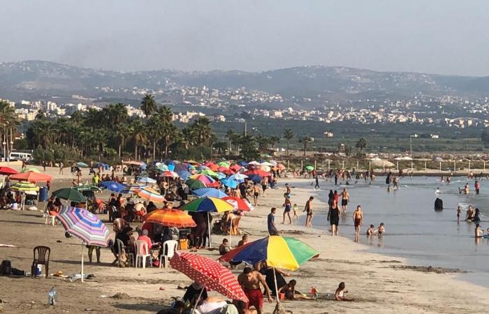 شواطئ صور اكتظت بالرواد.. لا وقاية ولا تباعد اجتماعي! (صور)