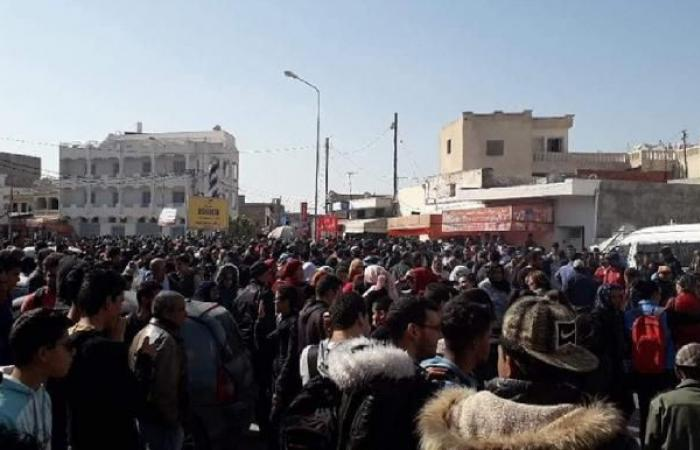 احتجاجات في جنوب تونس تهدد الصادرات الغذائية نحو ليبيا