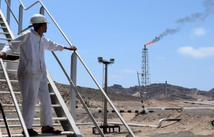 اليمن: حضرموت تلوح بوقف تصدير النفط رداً على سوء الخدمات