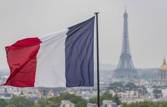 هل تستضيف فرنسا طاولة حوار لبنانية؟