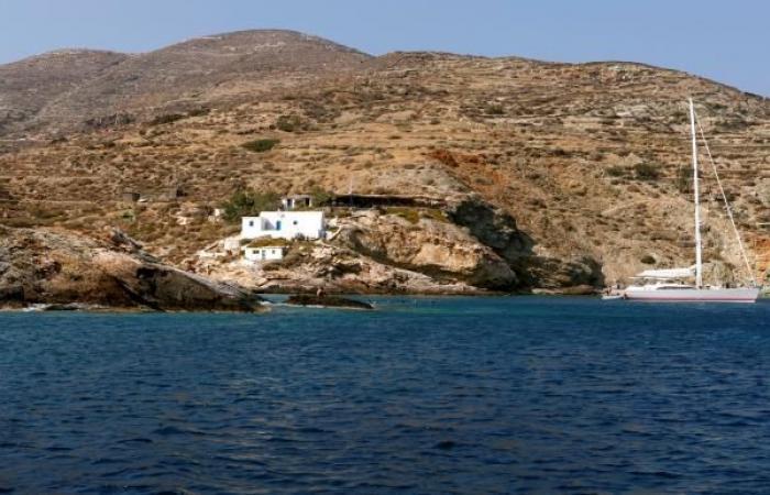 هل اعترضت البحرية اليونانية سفينة تقلّ مصرفيين لبنانيين وإسرائيليين؟