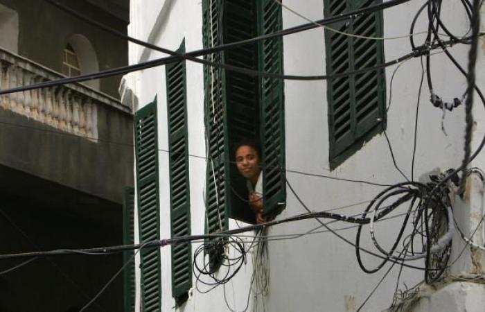 حكومة الجزائر تنفي أي خطط لرفع أسعار الكهرباء والغاز
