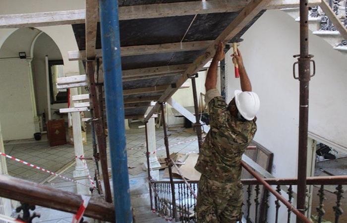 """الجيش: تأمين مبنى """"الخارجية"""" بعد تضرره بانفجار بيروت (صور وفيديو)"""