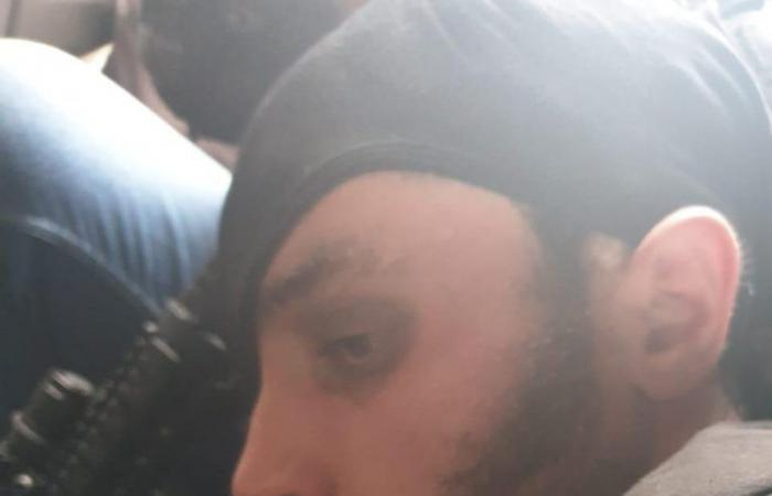 الإرهابي أحمد الشامي بقبضة المخابرات (صور)