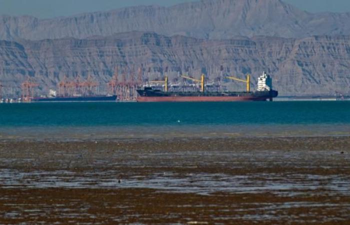 قفزة لصادرات النفط الإيرانية تتحدى العقوبات الأميركية