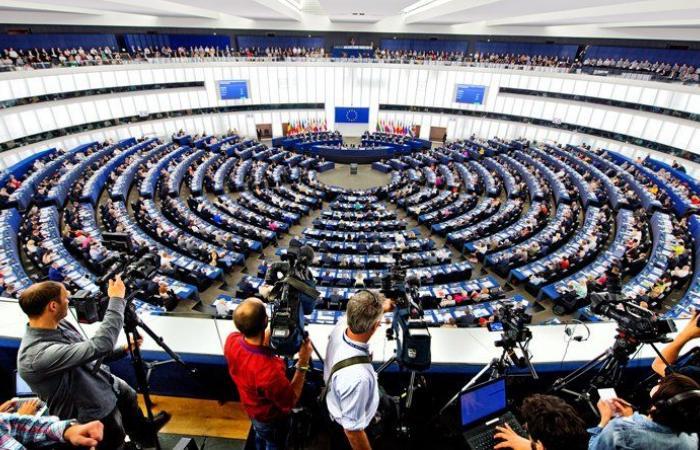 """أوروبا: لا """"صندوق"""" بلا حكومة"""
