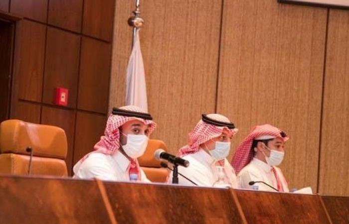 وزير الرياضة يجتمع مع رؤساء أندية الدوري السعودي