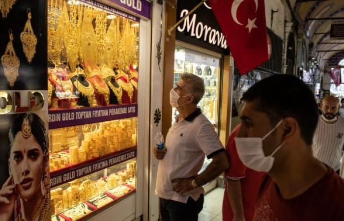 بريق الذهب يدفع تركيا لإنتاج قياسي... والحكومة تستهدف 100 طن سنوياً