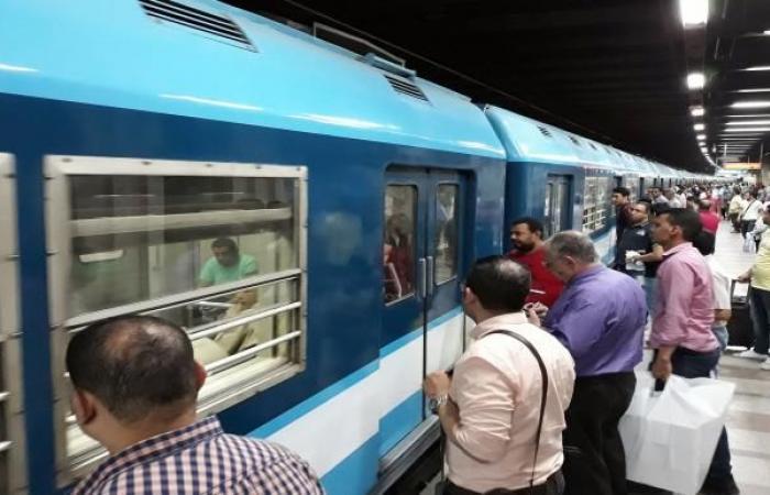 مصر تفرض رسوماً جديدة على ركاب القطارات لتعظيم الإيرادات من جيوبهم