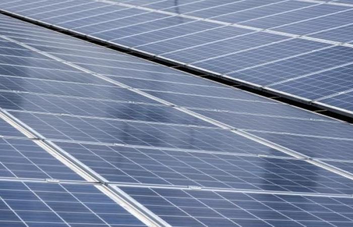 مصر: رسوم جديدة على محطات الطاقة الشمسية