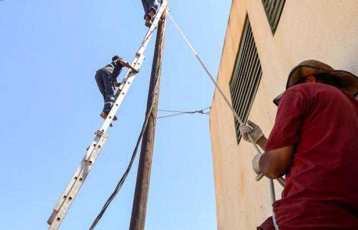 وصول مهندسين جزائريين إلى طرابلس لإصلاح محطات الكهرباء
