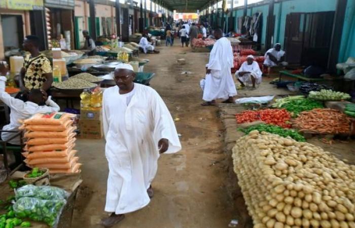الأزمات المعيشية تخنق السودانيين... تضخم وانفلات الأسواق
