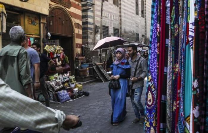 السيسي يقر الإجراءات الضريبية: مزيد من الأعباء على المصريين