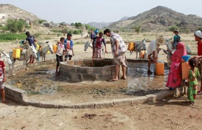 العطش يضرب اليمنيين... صعوبات متزايدة للحصول على مياهٍ للشرب