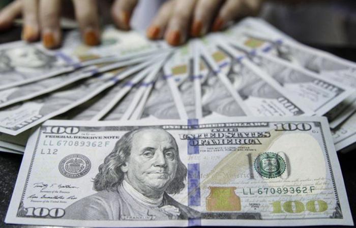 دولار السوق السوداء يواصل الإنخفاض