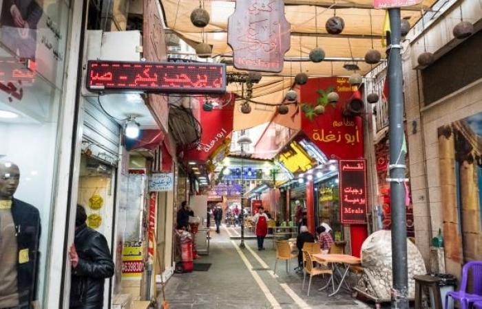 تنامي دعوات مقاطعة منتجات فرنسا في الأردن