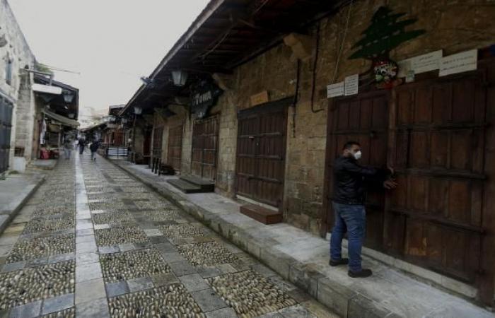 لبنان: رفوف المتاجر الخالية تعرقل مقاطعة البضائع الفرنسية