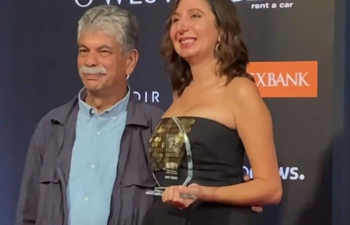 """في أولى تجاربها لُقبت بـ""""أفضل موهبة عربية"""".. فلسطينية تفوز بجائزة """"فارايتي"""" الدولية"""