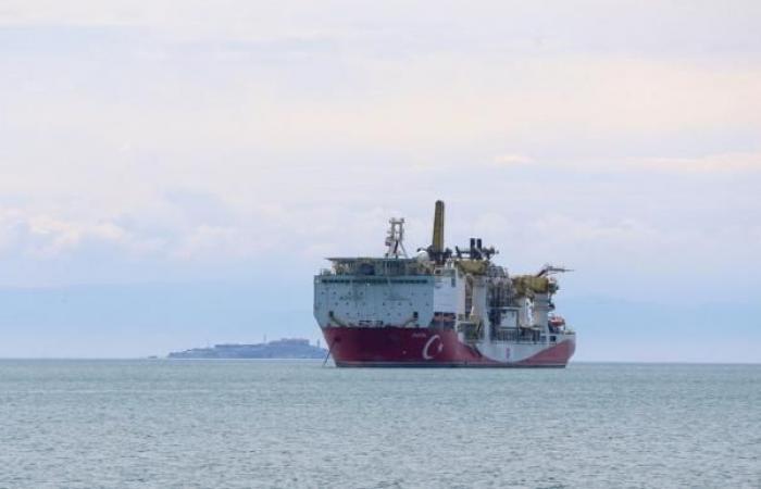تركيا تبدأ التنقيب في بئر ثانية للغاز بالبحر الأسود