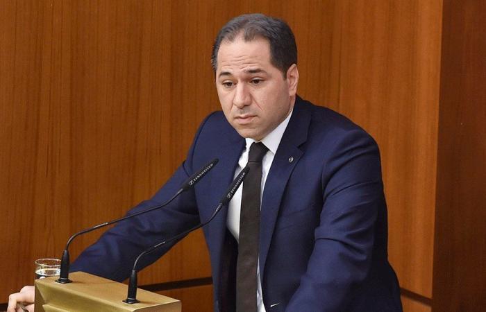 """الجميل لـ""""الحزب"""": أنت تمنع التغيير في لبنان وسلاحك تقسيمي"""