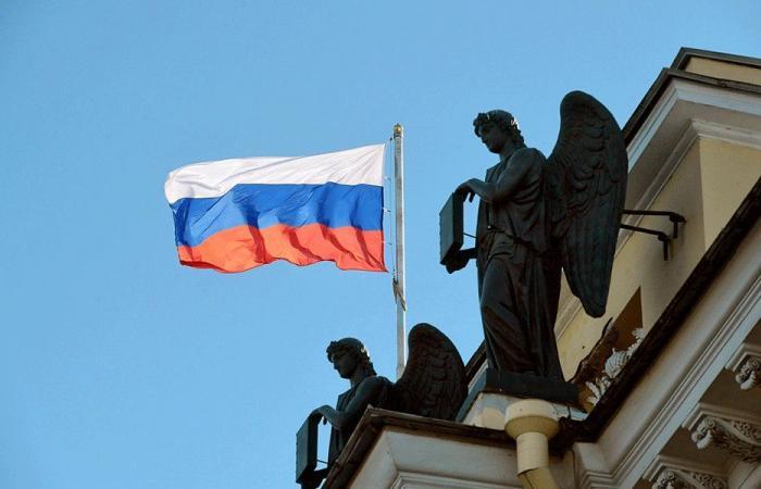 رئيس حكومة روسيا هنأ دياب بعيد الاستقلال