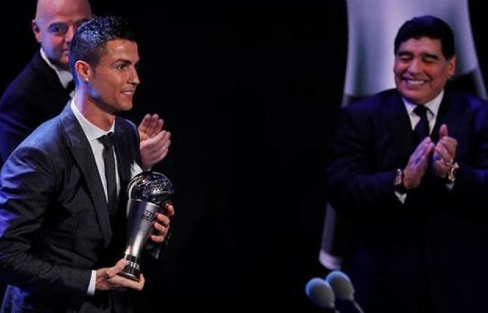 رونالدو ناعياً مارادونا: عبقري كرة القدم ودع العالم