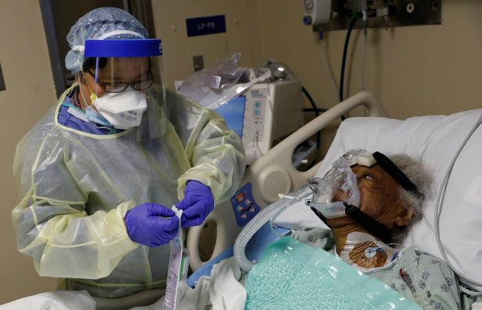منظمة الصحة تحذّر: تعميم اللقاحات لا يعني اختفاء وباء كورونا