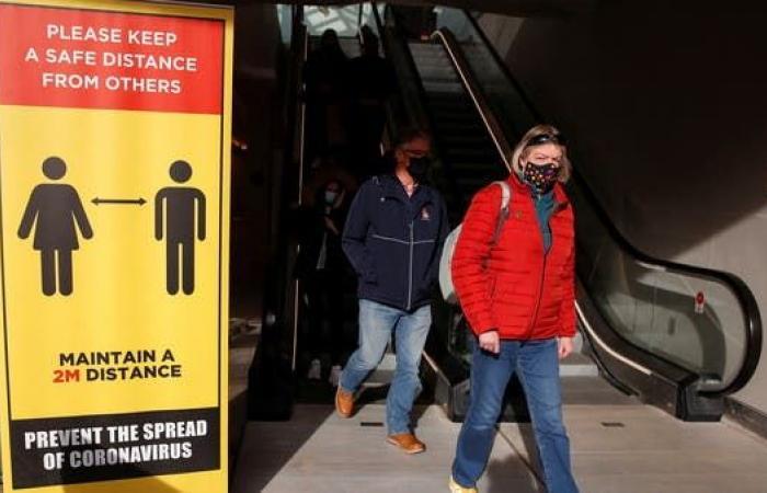 أزمة مقبلة.. اللقاح شرط دخول المطاعم في بريطانيا
